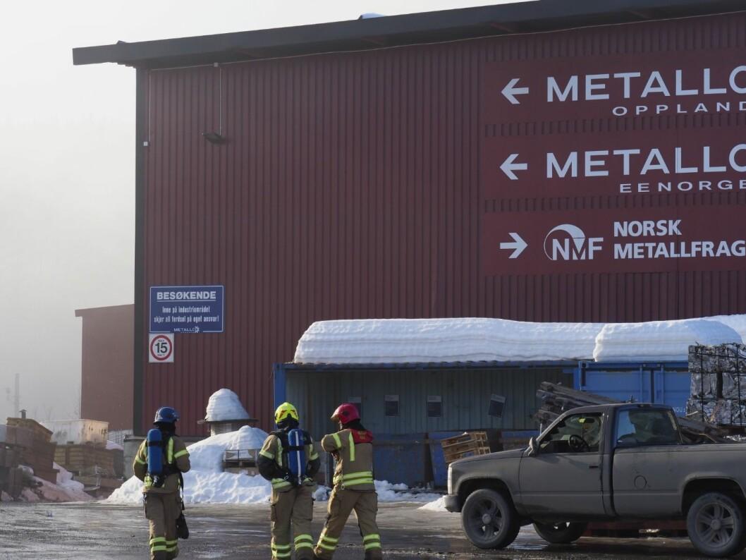Takket være varsling fra varmesøkende kamera ble brannen hos Metallco EE Norge oppdaget før flammene ble synlige (foto: John Knut Bakken, Gjøviks Blad).