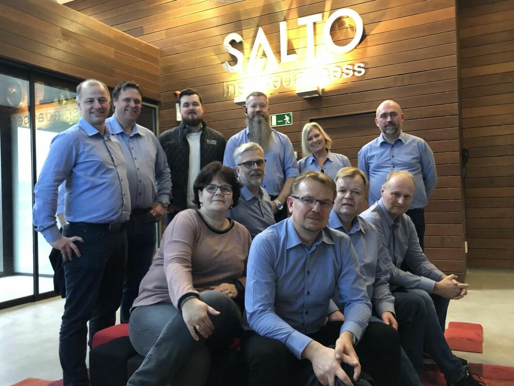 Her er noen av de Salto-ansatte som besøkte fabrikken i Spania i fjor. Nå styrker de laget med Jarle Berg (arkivfoto: Even Rise).