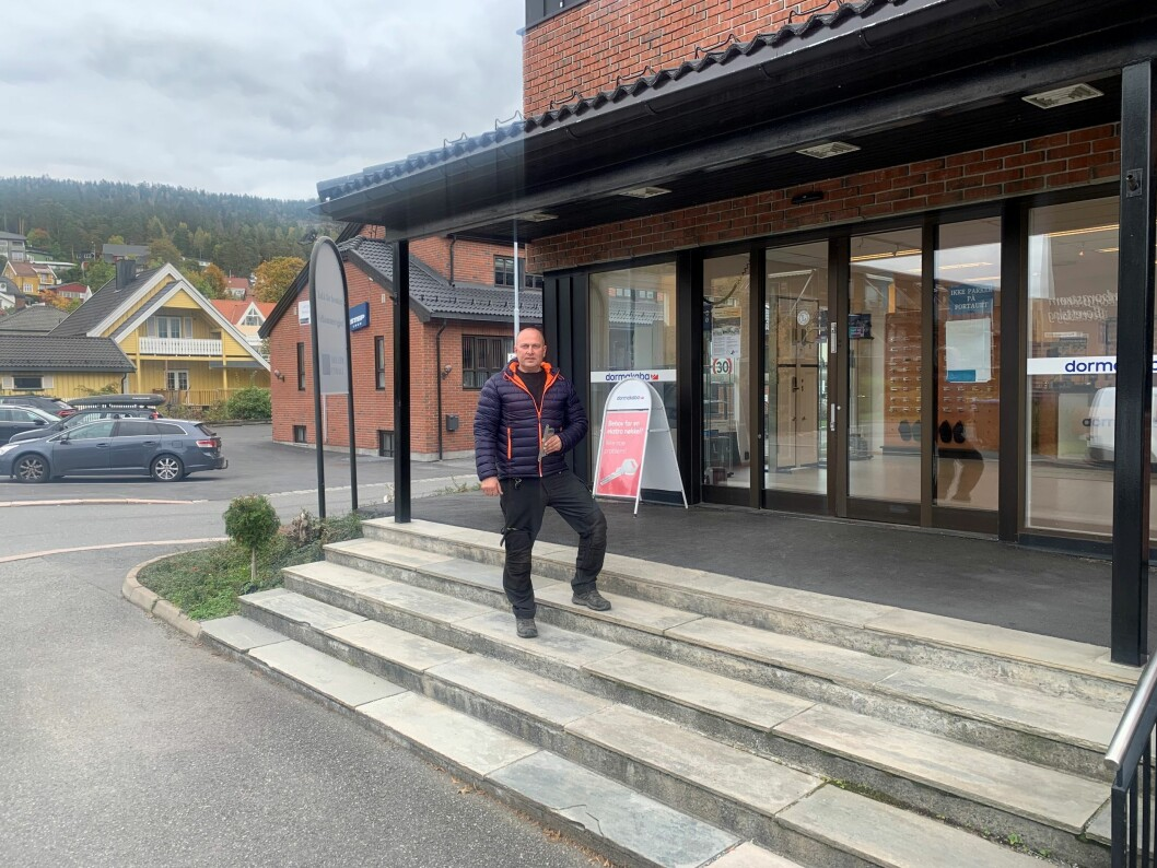 Glenn Elton starter Viken lås og sikkerhet i Hamborggata i Drammen. Med seg på laget har han veteranen Odd Møller. Vegg i vegg driver leder Anders Møller Step Lock (foto: privat).