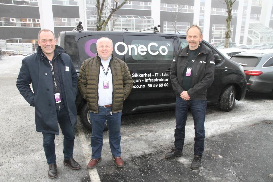 Jahn Gulbrandsen, Stellan Johansen og Hans Petter Mørkhagen i Oneco Technologies har det travelt med prosjekteringen av jobben de har fått med lås og beslag i Økern Portal (foto: Even Rise).