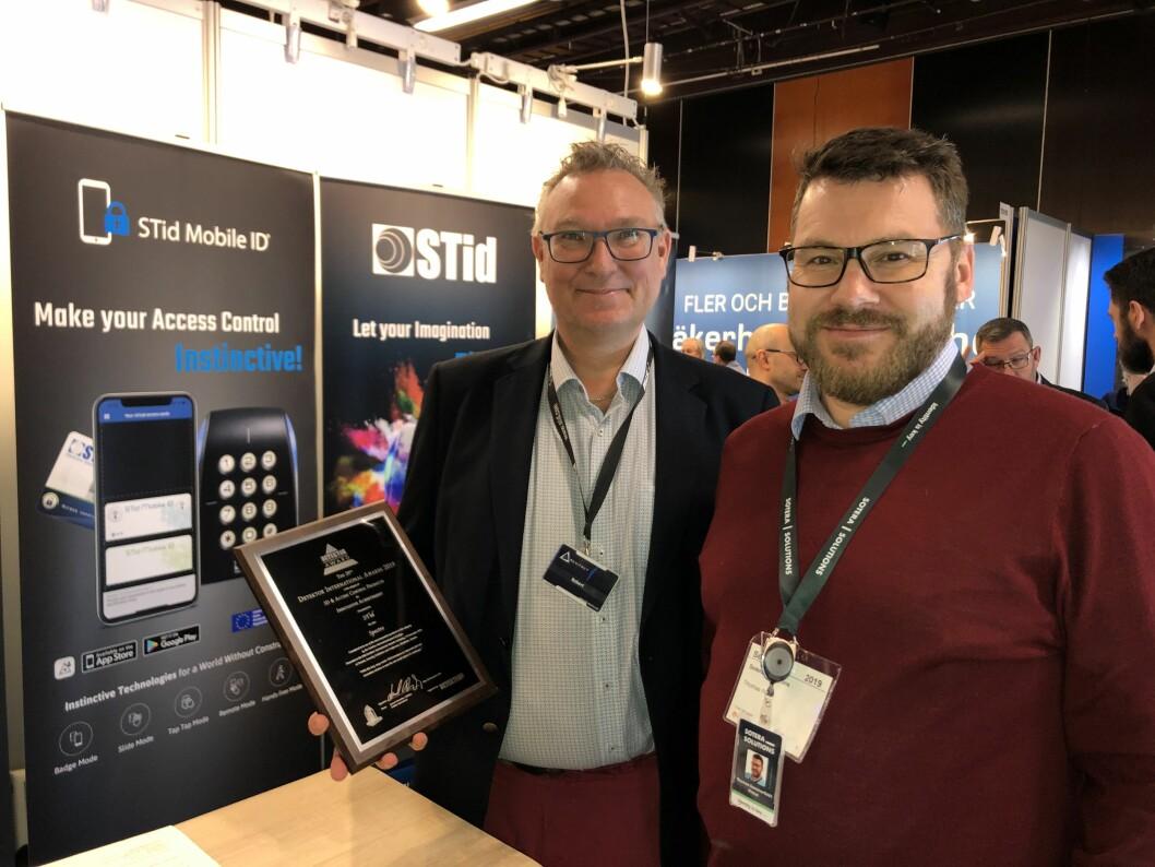 Robert Jansson i STid og Thomas Sommerfeldt Preus i Sotera Solutions. Rett før jul – under nykommeren «Sotera Talk» - ble det kjent at Sotera er først ute i Norden som representant for STid sine adgangskontrollprodukter (foto: Even Rise).
