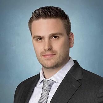 Øystein Knudsen er både jurist og politiutdannet, og har i tillegg 13 års erfaring som vekter og ordensvakt. – Det er ikke lenger tillatt å benytte håndjern for å sikre gjennomføringen av en lovlig pågripelse, skriver han i denne fagartikkelen