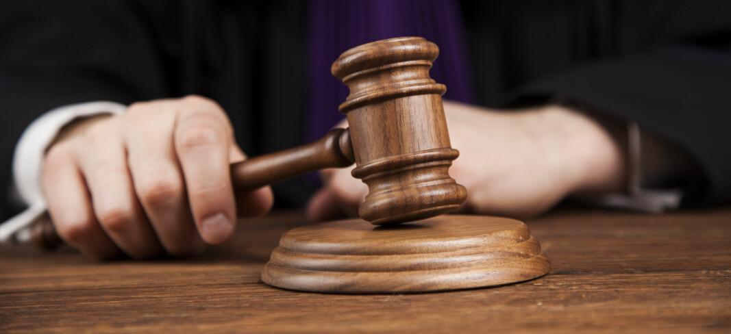 Tingretten mener voldshendelsen ble fremprovosert av ordensvakten som ble slått. Derfor er gjerningsmannen frikjent.