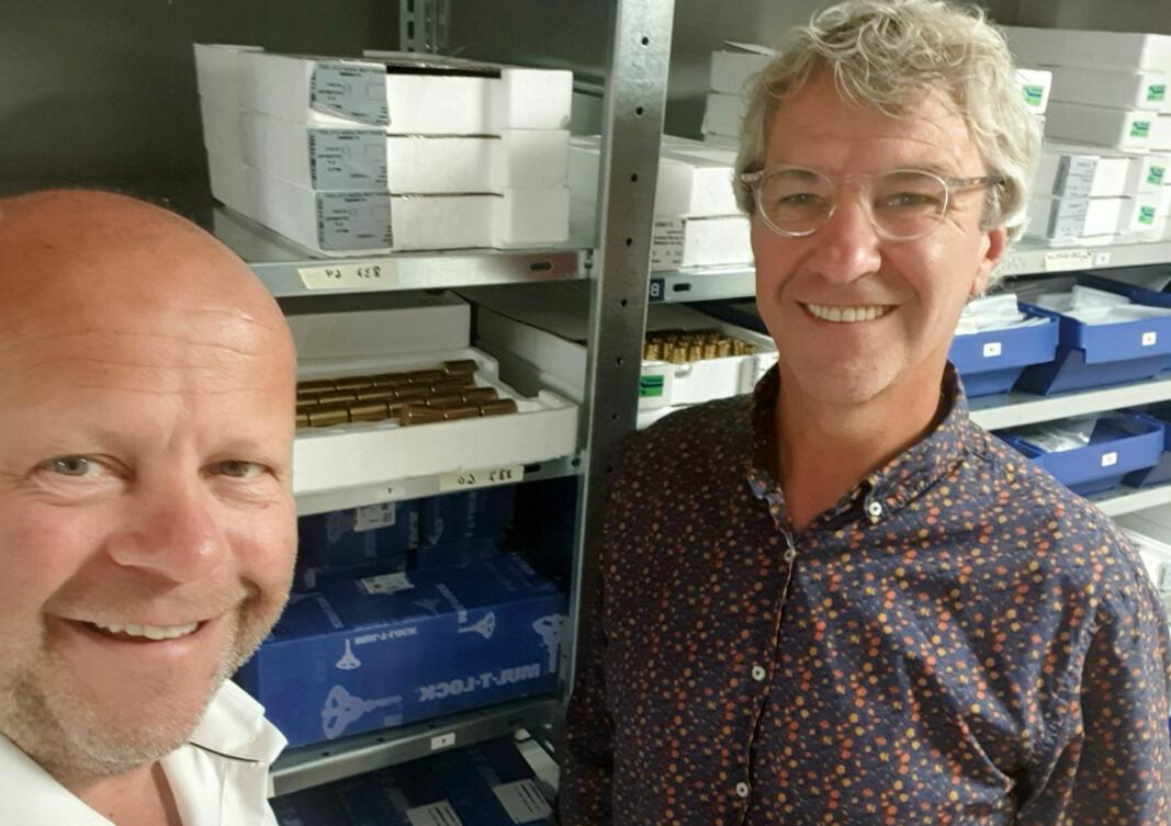 Ståle Raa (t.v.) og Svein Inge Myhre er enige om at førstnevnte kjøper låsesmedbedriften Trygge Rom AS i Bærum. Nå vil Myhre konsentrere seg om selskapet Prolock og deres agentur på Mul-T-Lock.