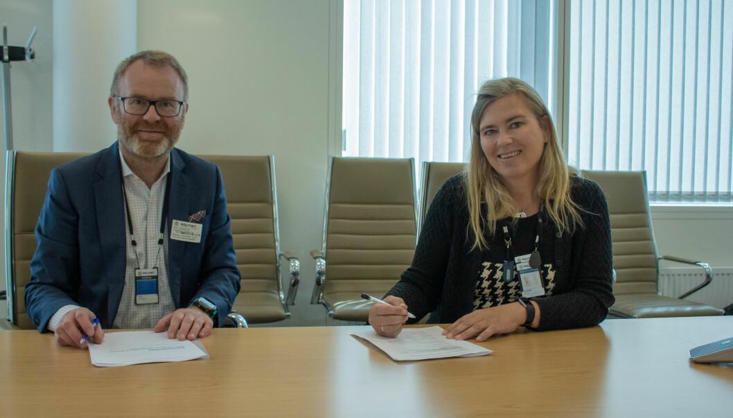Knut Gaaserud i Caverion og Marianne Haahjem i Politiets Fellestjenester signerte i går en betydelig avtale om teknisk sikkerhet.