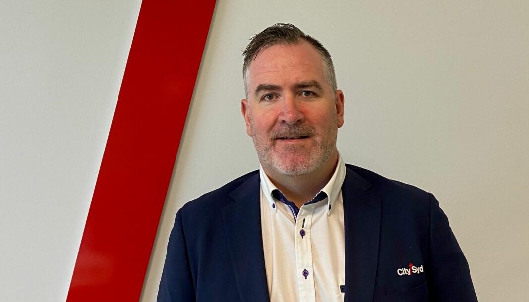 Senterleder Kjell Arntsen har leid inn personell fra PCM Utleie AS til driftsoppgaver som følge av vekterstreiken. Han understreker at de ikke gjør vekteroppgaver.
