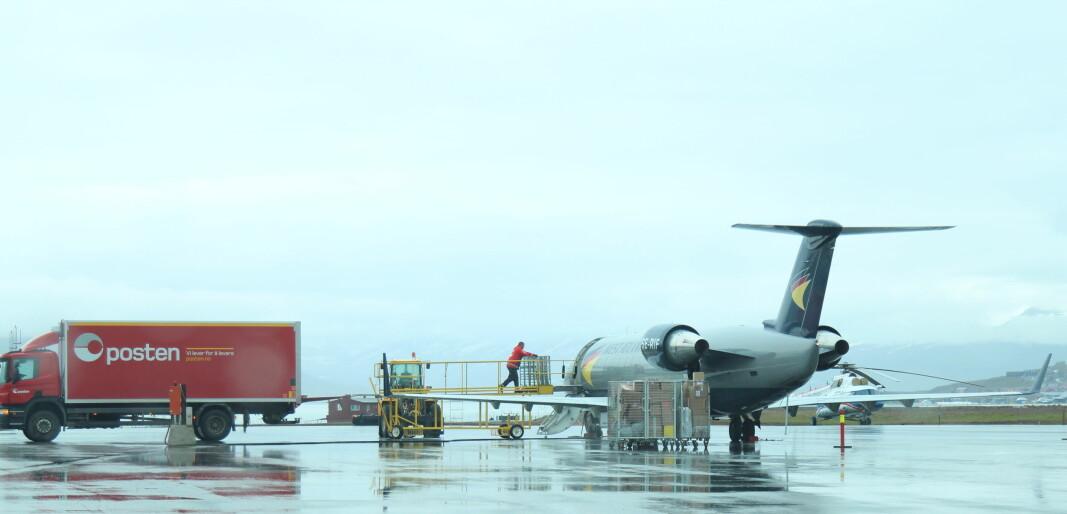 Flytransporten med post og bedriftspakker til Svalbard lammes dersom vekterstreiken trappes opp som varslet. Posten vil ikke lenger kunne laste flyene sine ut fra Tromsø og Bodø.