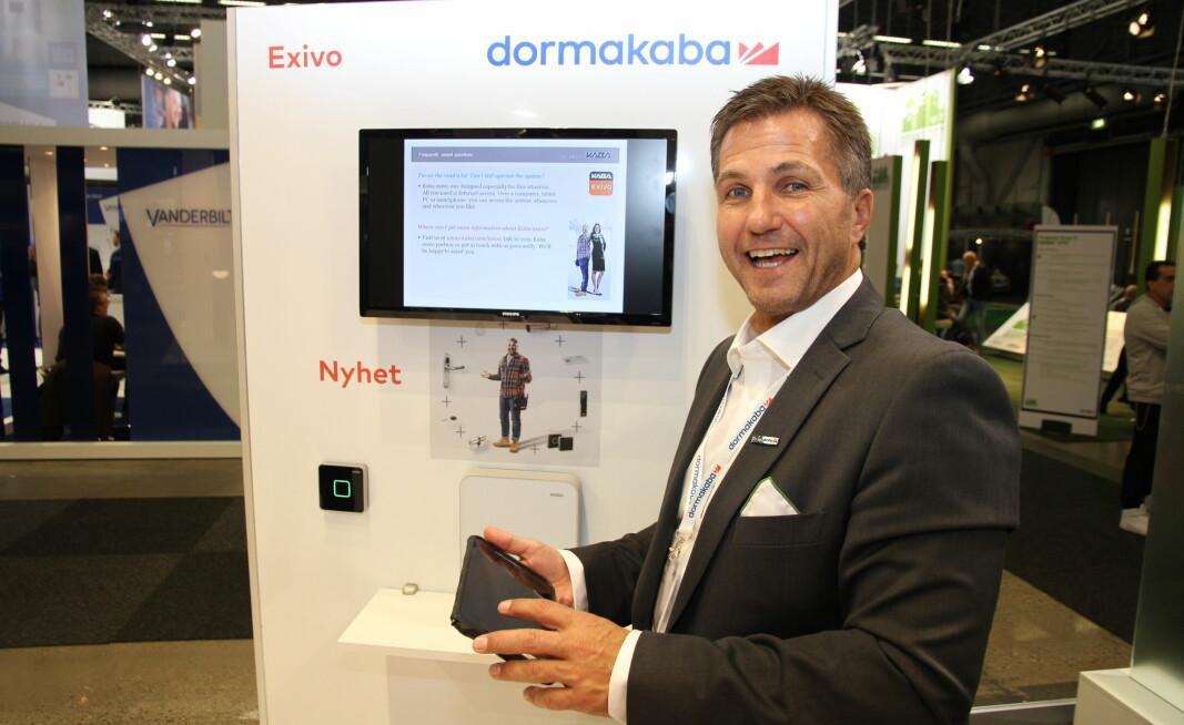 Tore Brænna i Dormakaba ser frem til samarbeidet med Unloc. Her viser han ved en tidligere anledning frem den sky-baserte Exivo som åpner for Unloc-implementering.