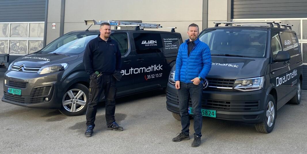 Dørautomatikk AS i Skien er nå blitt Prosero-bedrift. Vi kommer inn i et fellesskap for samarbeid og deling av kompetanse, sier låsesmed Steffan Gundersen (t.h.). Her sammen med broren Jarle.