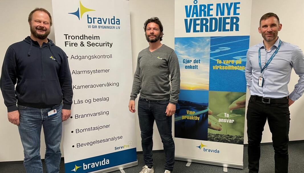 Gleden er stor hos Bravida Fire & Security i Trondheim etter tildelingen fra Sykehusinnkjøp HF. Her representert ved (f.v.) serviceleder Terje Haugen innen lås og beslag, serviceleder Håvard Wold innen sikkerhet og avdelingsleder Bjørn Stamnes.
