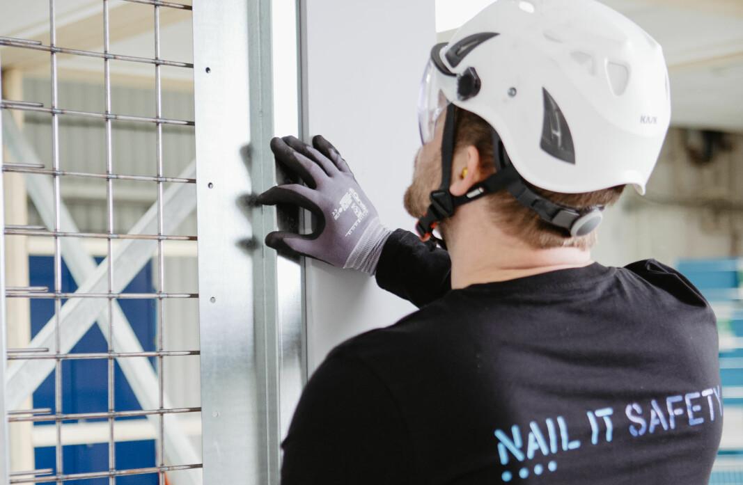 – Man slipper den tradisjonelle montasjen med skruer, overlappende innbrudds-plater og gips, hevder Norgips om nye Nail it safety.
