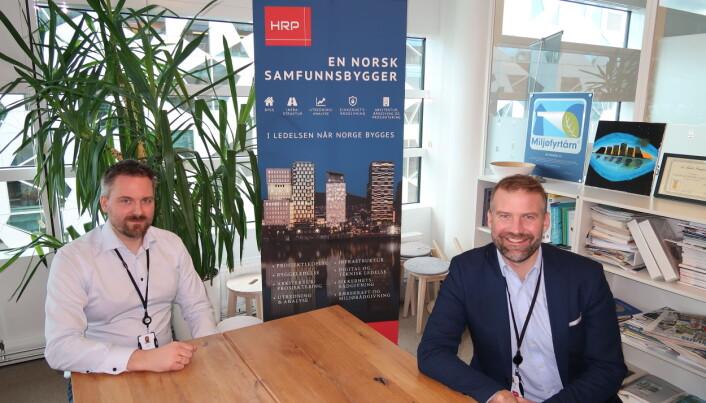 Lars Eirik Berg og Carl-Axel Hagen er to av etter hvert mange i HRP-avdelingen for sikkerhet. Hagen startet oppbyggingen av denne i fjor sommer.