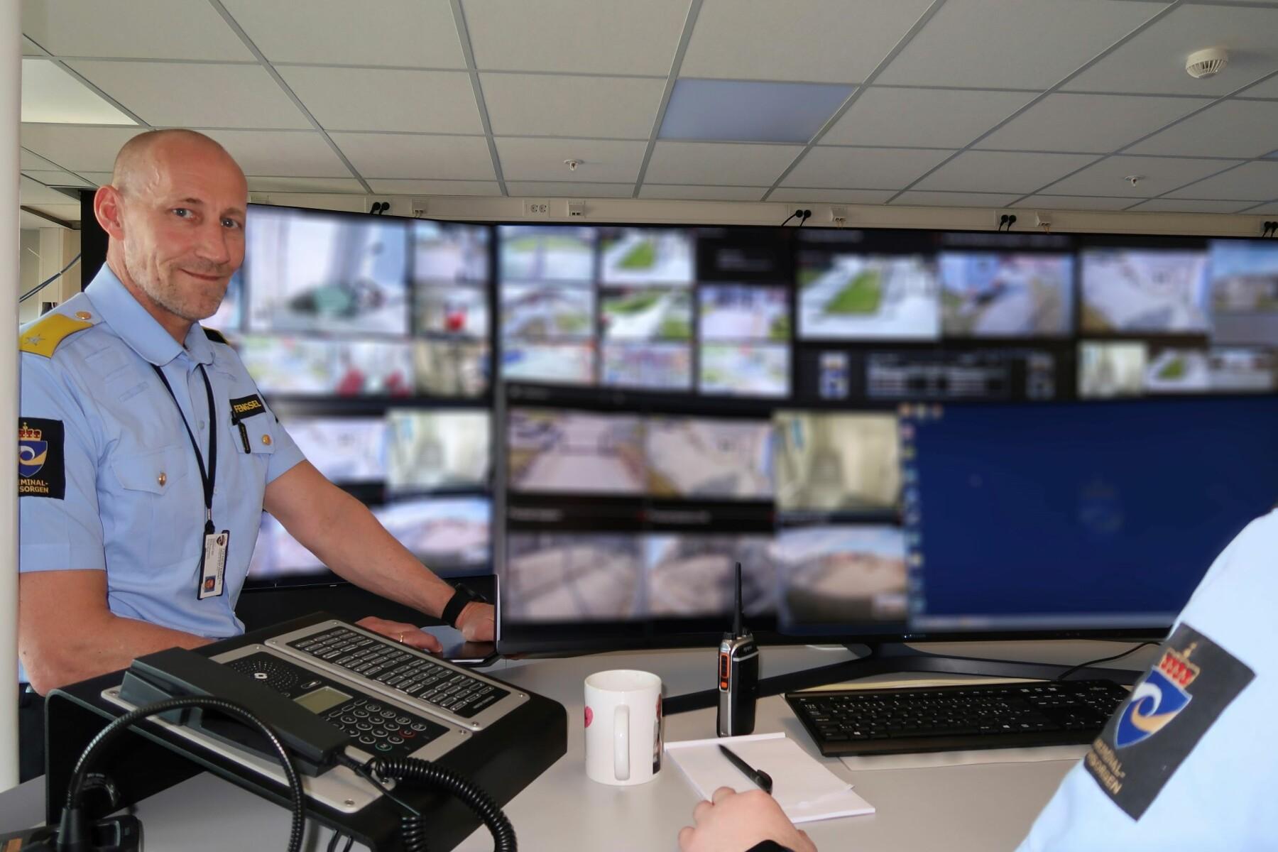 Caverion Flexicontrol er på en måte et toppsystem over de andre toppsystemene, og har gitt oss en «helt ny verden», sier assisterende fengselsleder Geir Jakobsen i Trondheim fengsel.
