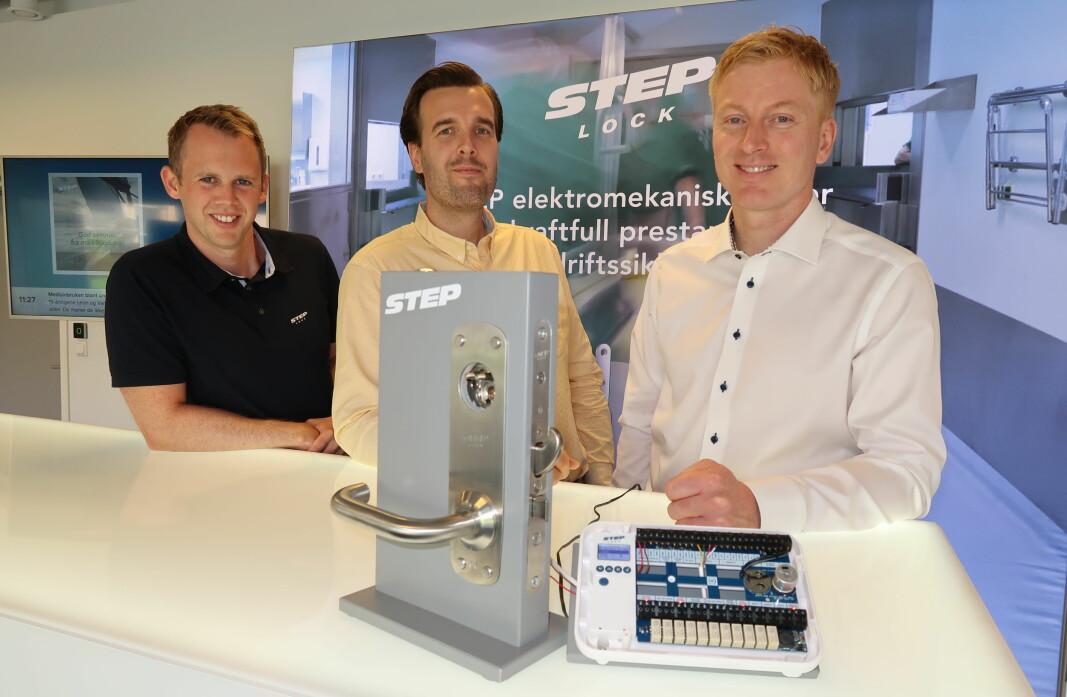 Kenneth Slåtsveen Bøhren, Aksel André Pettersen og Anders Møller gleder seg over at Steplock nå er klare med sin nye motorlåsserie.