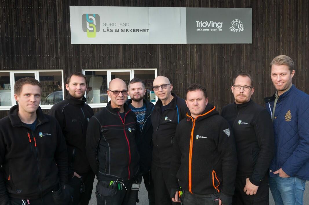 Her er noen av de ansatte i Nordland Lås & Sikkerhet som nå blir en del av Prosero Security Group.